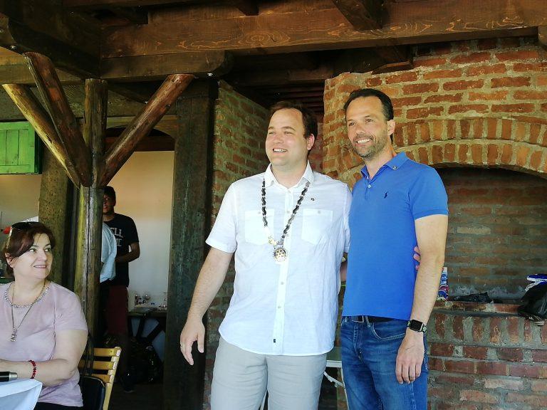 Novi i dosadašnji predsednik Rotari kluba Valjevo David Maksimović (levo) i Dragan Đurđević
