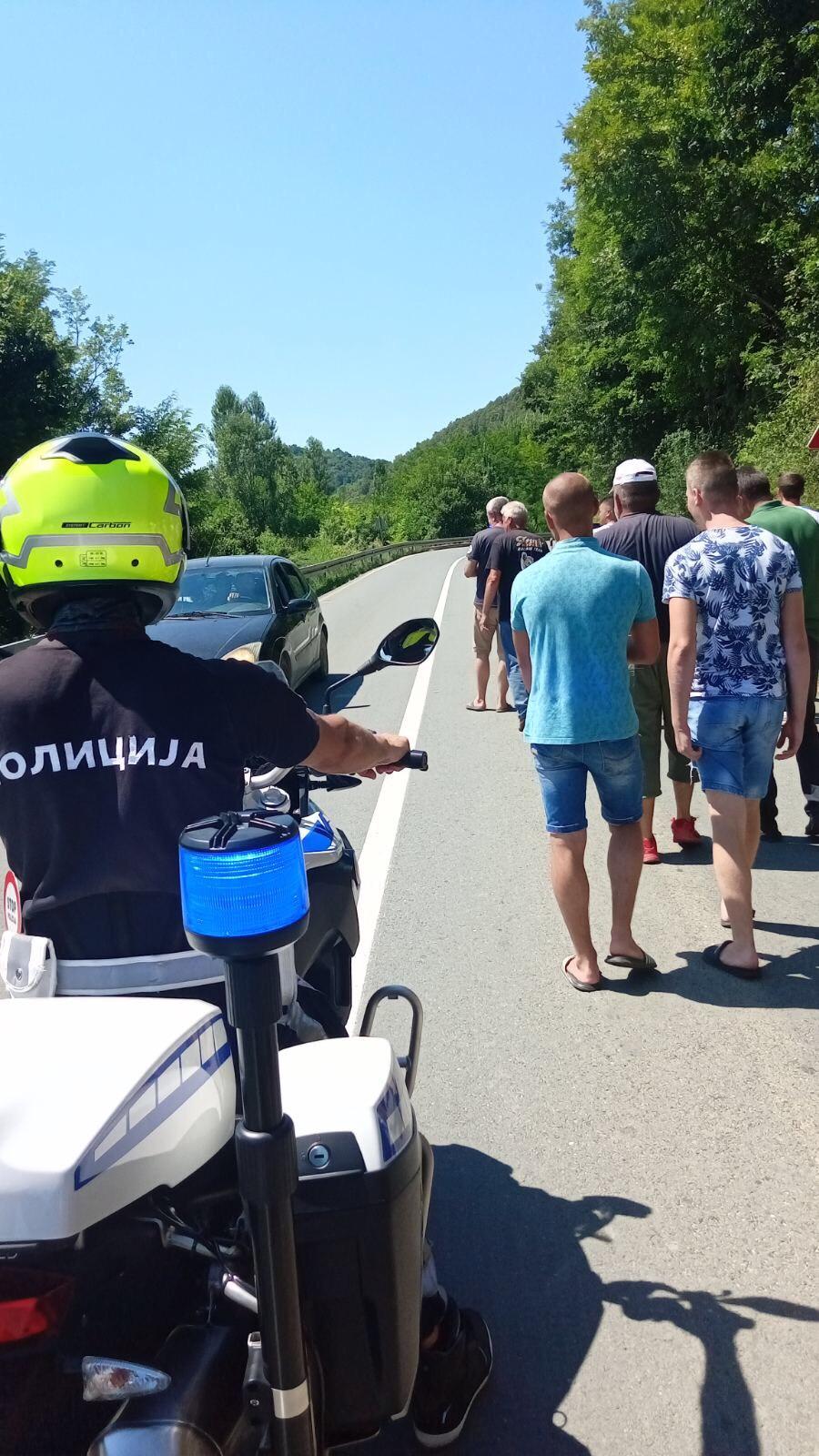 Protest-Pricevic-Struja-Voda-1